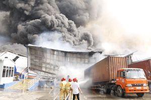 Cháy lớn ở khu công nghiệp Sóng Thần 2, tỉnh Bình Dương