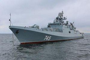 Cận cảnh dàn vũ khí khinh hạm Nga 'nổi lửa' trên Biển Đen