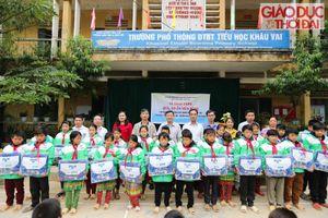Báo GD&TĐ trao yêu thương cho các em học sinh huyện Mèo Vạc