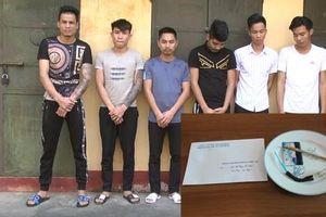 Gần 30 nam, nữ thanh niên trẻ tuổi bị bắt quả tang 'thác loạn' trong karaoke