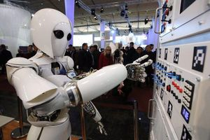 Con người có dễ dàng bị thay thế bởi robot?