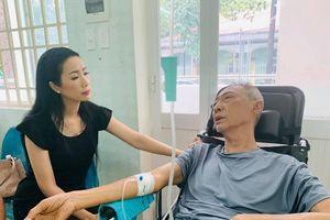 Sức khỏe nghệ sĩ Lê Bình chuyển biến xấu vì mang trọng bệnh