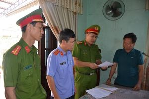 Bắt 3 cán bộ trung tâm phát triển quỹ đất ở Quảng Nam