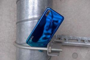 3 điểm nhấn của Realme 3: Đẹp, chụp ảnh tốt, pin khủng