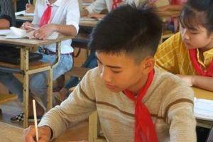 Thanh Hóa: Học sinh cứu 3 em nhỏ đuối nước được tặng huy hiệu 'Tuổi trẻ dũng cảm'