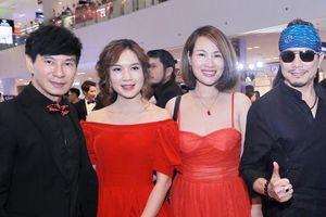 Jimmii Nguyễn, Ngọc Phạm xúng xính đến dự buổi ra mắt phim mới của vợ chồng Lý Hải