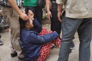 Người nhà nạn nhân đau đớn, khóc ngất tại hiện trường vụ hỏa hoạn khiến 8 người chết và mất tích