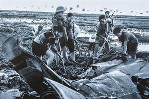 Nghệ sĩ nhiếp ảnh 'chép sử' hậu phương thời chiến bằng hình