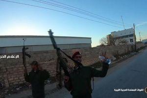 Quân đội Quốc gia Libya hân hoan sau khi kiểm soát căn cứ quân sự đối phương