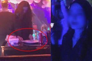 Mỹ nữ xào ke chuyên nghiệp trong quán karaoke Phúc XO bị phát tán ảnh