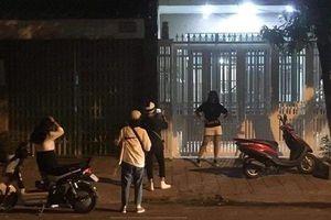 Lo vụ sàm sỡ bé gái trong thang máy 'rơi vào quên lãng', giới trẻ lại đến nhà Nguyên Phó Viện trưởng VKS Đà Nẵng check-in