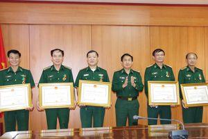 Trao tặng Huân chương bảo vệ Tổ quốc của Chủ tịch nước cho cán bộ BĐBP Hà Tĩnh