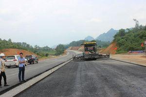 Cao tốc Bắc Giang - Lạng Sơn 'lộ' nhiều tồn tại chất lượng thi công