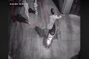 Tạm giữ nghi phạm trong vụ dụ bé gái 10 tuổi vào ngõ tối xâm hại