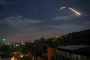 Israel phóng tên lửa tấn công dồn dập Syria