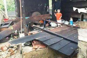 Quảng Bình lại xảy ra lốc xoáy làm 49 nhà dân tốc mái