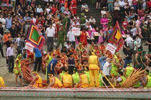 Lễ hội Đền Hùng 2019: Rộn ràng lễ hội bơi chải truyền thống trên sông Lô