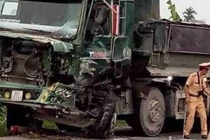 Xe tải đấu đầu xe ben, tài xế tử vong
