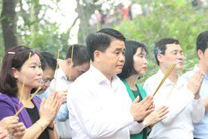 Đoàn đại biểu thành phố Hà Nội dâng hương tưởng niệm các Vua Hùng