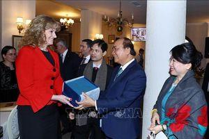 Thủ tướng Nguyễn Xuân Phúc thăm, làm việc với tỉnh kinh tế trọng điểm của Romania