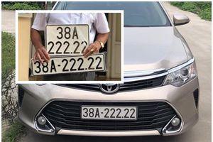 Cận cảnh Toyota Camry biển ngũ quý 2 tại Hà Tĩnh