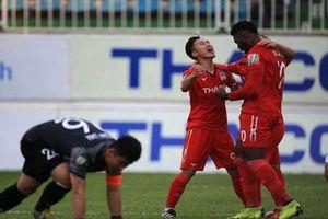Triệu Việt Hưng chấn thương nặng sau chiến thắng của HA Gia Lai