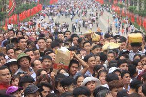 Lễ giỗ Tổ Hùng Vương: Bất ngờ không còn cảnh chen lấn