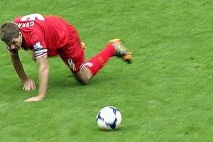 Liverpool đại chiến Chelsea và nỗi ám ảnh cú trượt ngã của Gerrard