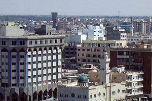 Một chiếc MiG-21 của phe Tướng Haftar bị phe Tripoli bắn rơi