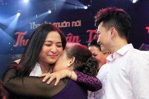 Quỳnh Hương khóc trong vòng tay khán giả, chia tay Thay lời muốn nói