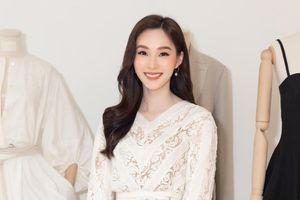 Hoa hậu Đặng Thu Thảo đẹp nhất tuần với đầm xuyên thấu