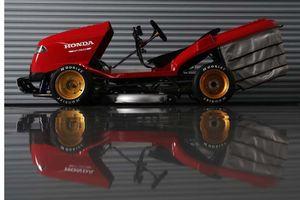 Cỗ máy cắt cỏ độc đáo của Honda: Tốc độ 241 km/h, động cơ CBR1000RR Fireblade