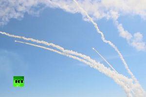 Bộ Quốc phòng Nga công bố hình ảnh S-300 khai hỏa trong cuộc tập trận