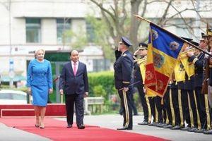 Thủ tướng Romania Viorica Dancila chủ trì lễ đón Thủ tướng Nguyễn Xuân Phúc