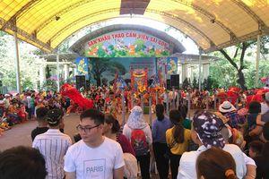 Thảo Cầm viên Sài Gòn đông nghịt người ngày nghỉ bù lễ Giỗ tổ