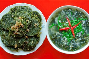 Về biển Quỳnh thưởng thức món bánh rau cạo độc đáo