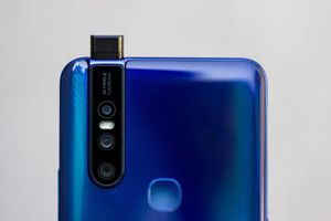 Chi tiết smartphone 3 camera sau, RAM 6 GB, giá 7,99 triệu ở Việt Nam