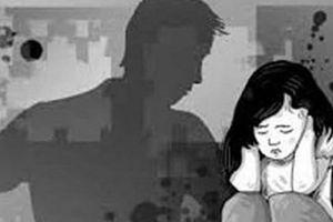 Xác minh vụ bé gái 10 tuổi bị người đàn ông 'sàm sỡ' ở trường