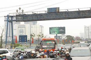 Đường cửa ngõ Thủ đô đông ngộp thở ngày cuối nghỉ lễ giỗ Tổ