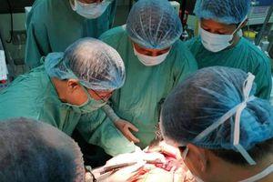 Huế: Lần đầu tiên ứng dụng dao mổ SonaStar để phẫu thuật cắt gan