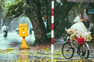 Hà Nội sáng có mưa, trưa chiều hửng nắng