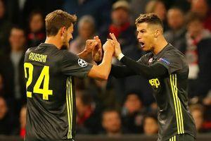 HLV Allegri: 'Cám ơn Chúa đã cho Juventus... Ronaldo'