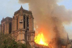 Ông Putin ngỏ lời giúp xây dựng lại Nhà thờ Đức Bà Paris