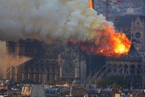 Cháy Nhà thờ Đức Bà: Cư dân mạng chia buồn cùng nước Pháp