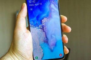 Trên tay Galaxy A80 - Smartphone trượt camera đầu tiên của Samsung