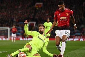 HLV Barca nhận diện hiểm họa từ Man.United