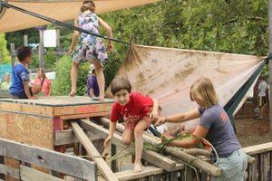 Cho trẻ học phiêu lưu trong hiện tại để an toàn trong tương lai