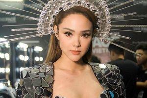 Minh Hằng: 'Tôi vô cùng xấu hổ vì màn trượt té trên sân khấu'
