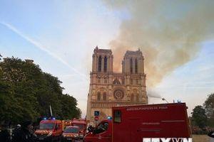 Cháy Nhà thờ Đức Bà: Bảo toàn phần tháp chuông chính và tường nhà