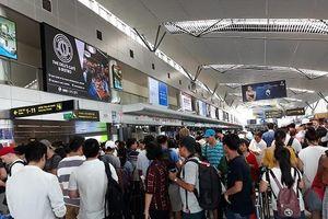 Ngày cuối dịp nghỉ Lễ Giỗ tổ Hùng Vương, sân bay Đà Nẵng đông nghịt người